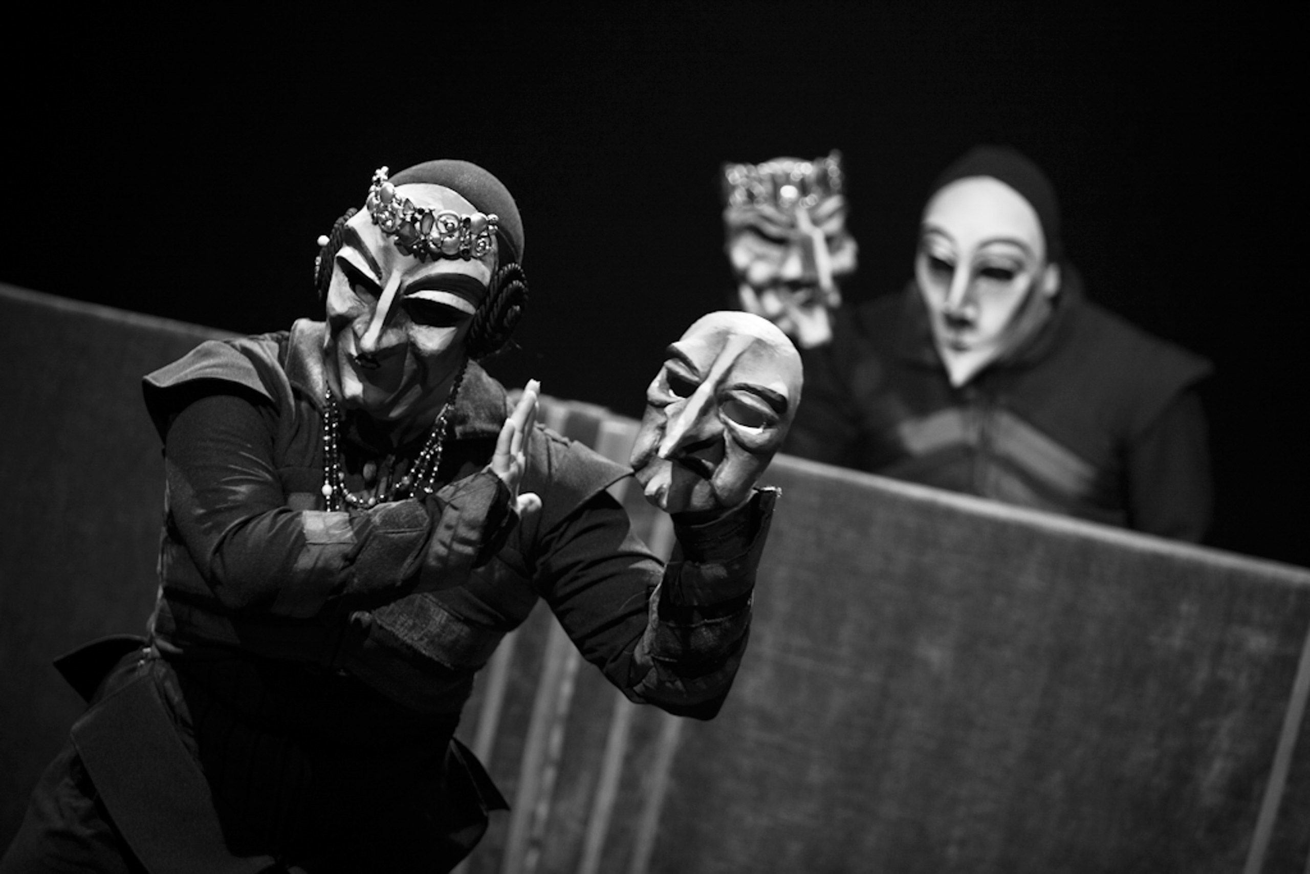 masks in hamlet The role of masquerade in shakespeare's plays  in the tragedy of king lear, masquerade is used not to disguise or address gender,  but the masks.